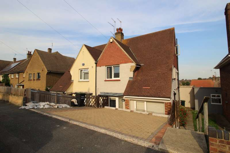 3 Bedrooms Semi Detached House for sale in Taunton Vale, Gravesend, Kent, DA12