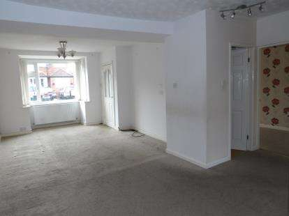 4 Bedrooms Semi Detached House for sale in Noreen Avenue, Prestwich, Manchester, Greater Manchester