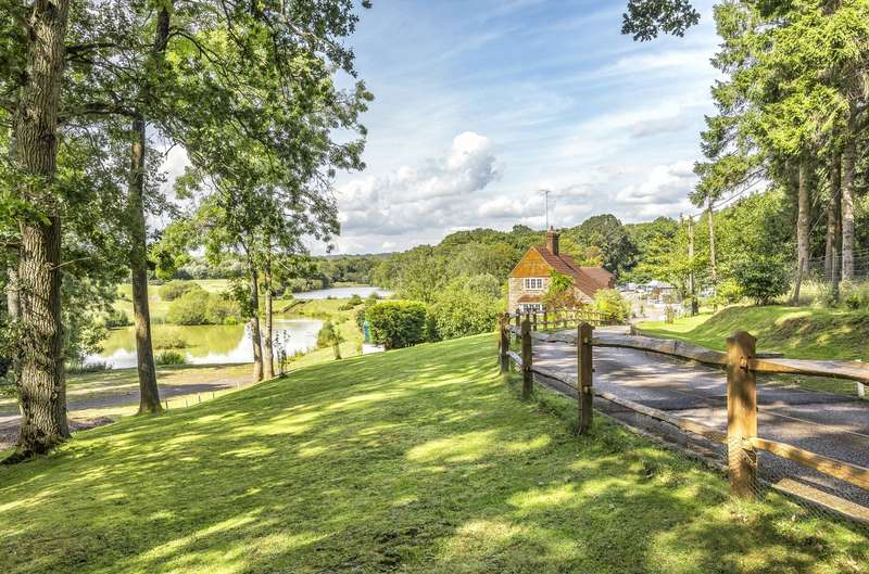 6 Bedrooms House for sale in Guildford Road, Slinfold