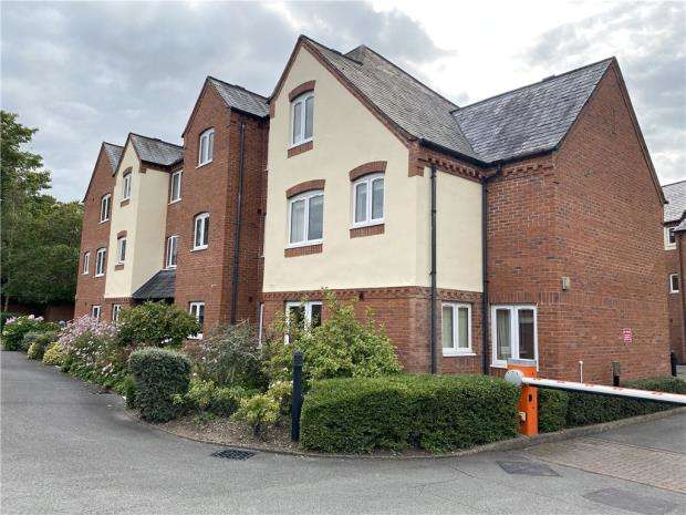 2 Bedrooms Retirement Property for sale in Montgomery Court, Coventry Road, Warwick