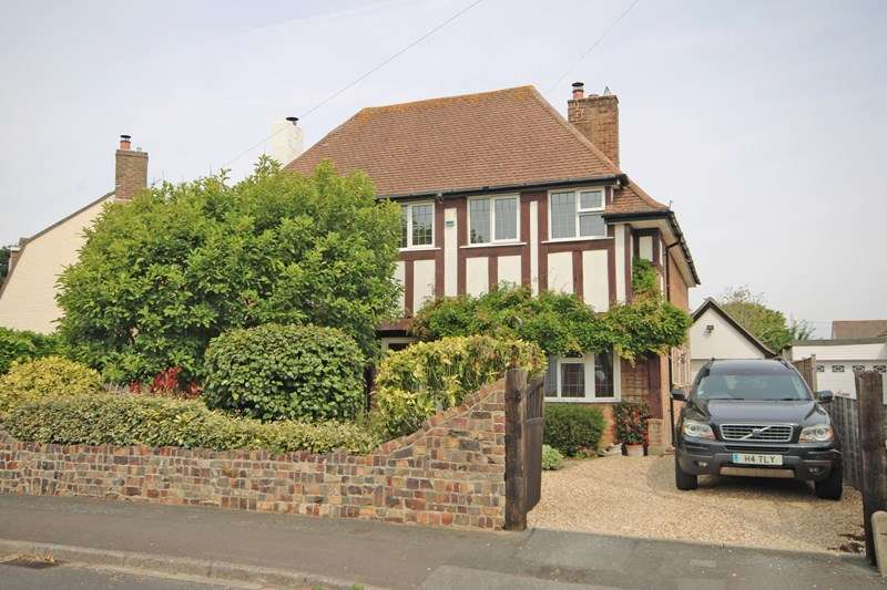 4 Bedrooms Detached House for sale in Naish Road, Barton On Sea, New Milton, Hampshire, BH25