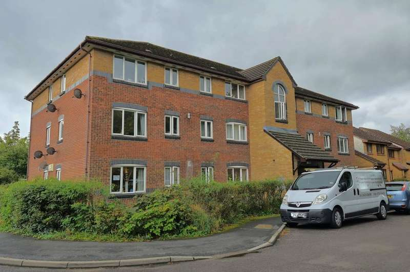2 Bedrooms Flat for sale in Ringwood, BH24 1FB