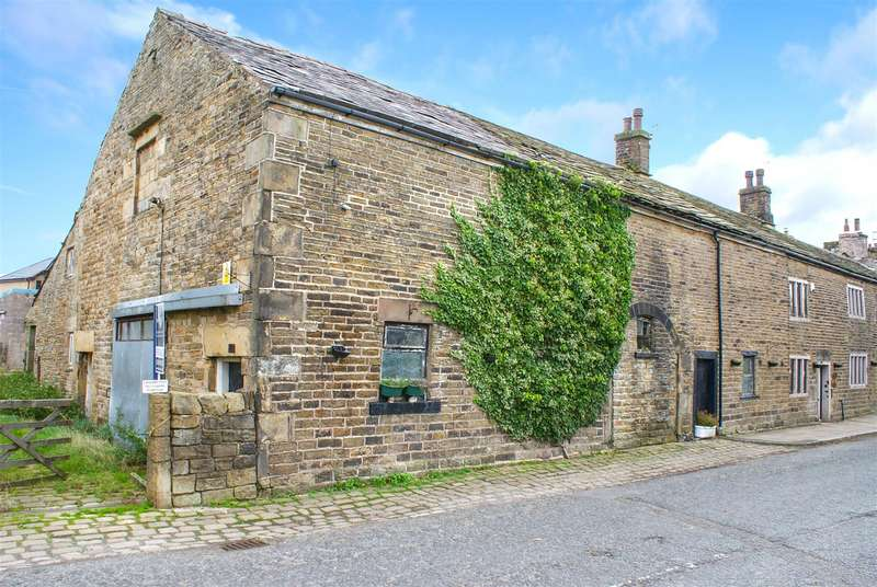 5 Bedrooms Barn Conversion Character Property for sale in The Barn, Meadowcroft Farm, High Street, Turton, Bolton