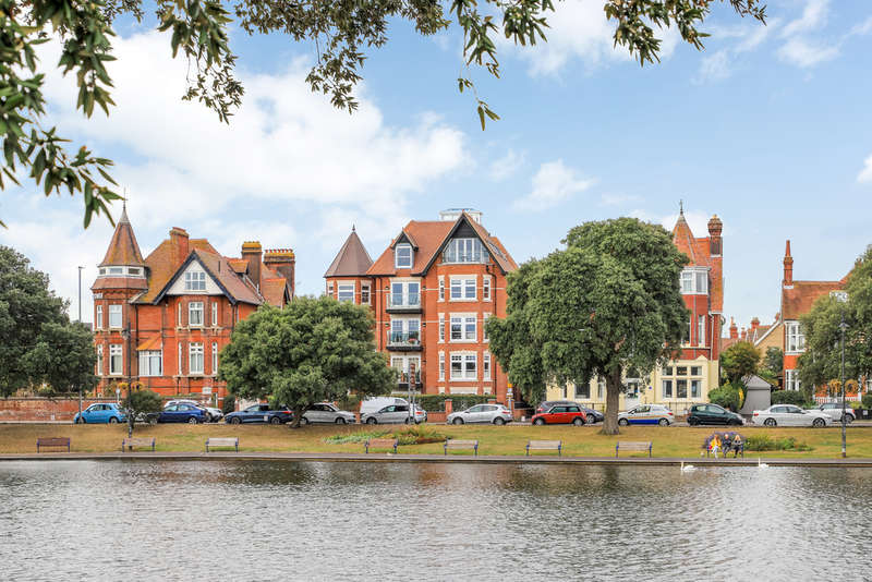 4 Bedrooms Flat for sale in Southsea, Hampshire