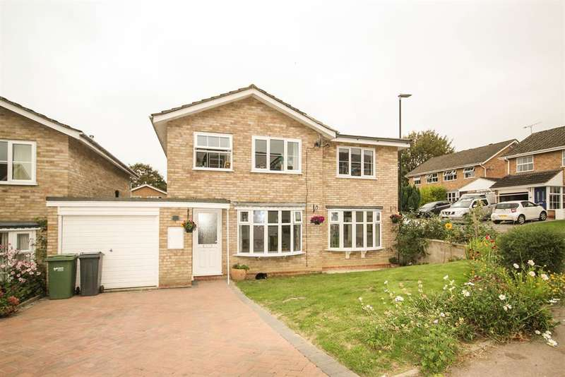 4 Bedrooms Detached House for sale in Bearlands, Wotton Under Edge, GL12 7SB