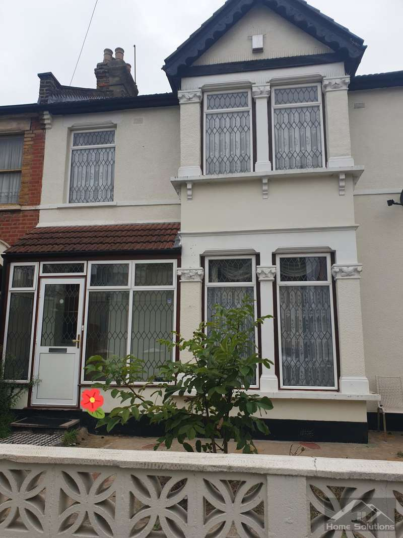 1 Bedroom Semi Detached House for rent in Airthrie Rd, Ilford