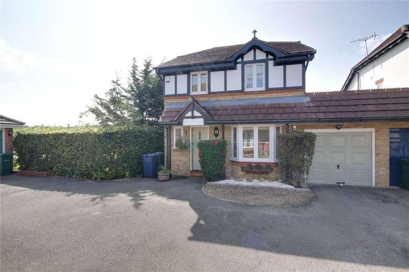 4 Bedrooms Detached House for sale in Partridge Close, Barnet, EN5