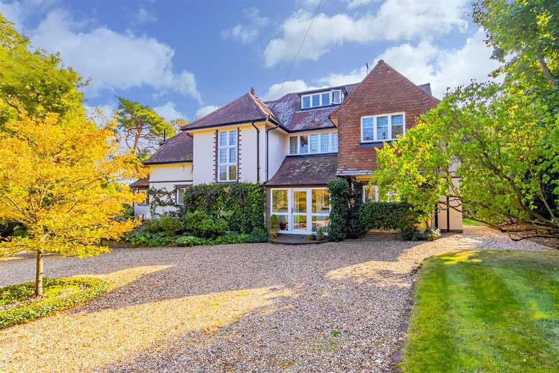 5 Bedrooms Detached House for sale in Christchurch Crescent, Radlett