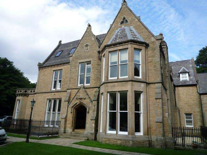 2 Bedrooms Apartment Flat for sale in Chasely Field Mansions, 21 Chaseley Road, Salford, M6 7DZ