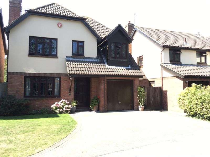 4 Bedrooms Property for sale in Maryfield Close, Bexley