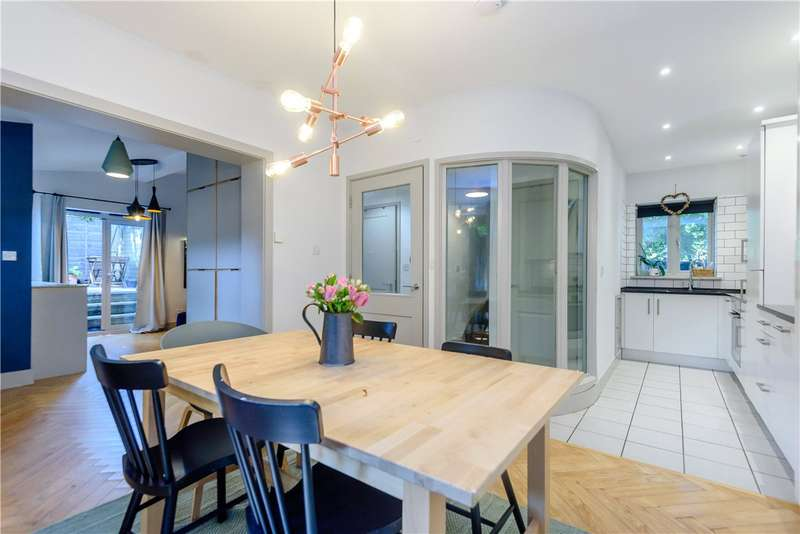 2 Bedrooms House for sale in Lanham Down Cottages, Lanham Lane, Winchester, Hampshire, SO22