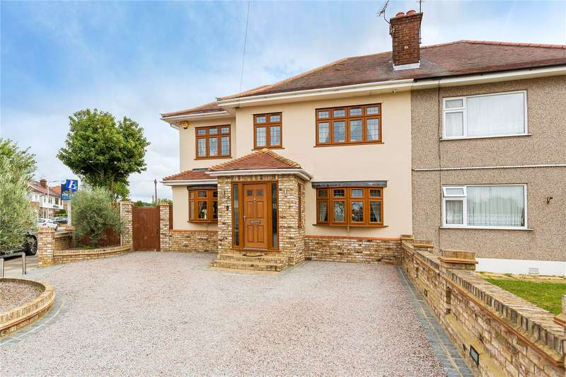 4 Bedrooms Semi Detached House for sale in Carter Drive, Collier Row, Essex, RM5