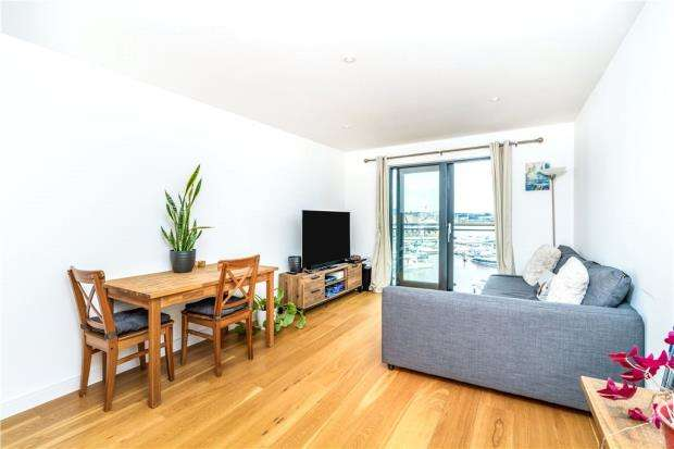 2 Bedrooms Apartment Flat for sale in The Blake Building, Admirals Quay, Ocean Way