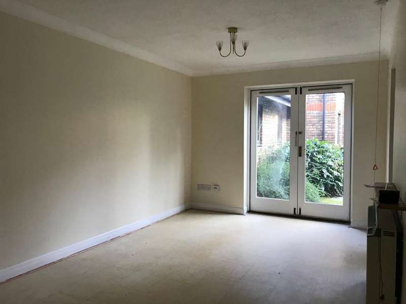 1 Bedroom Apartment Flat for sale in Winningales Court, Clahyhall, Ilford