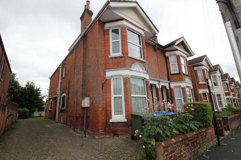 5 Bedrooms Semi Detached House for sale in Kenilworth Road, Southampton, Hampshire, SO15