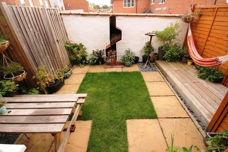 2 Bedrooms Terraced House for sale in Spring Hill, Worcester, WR5