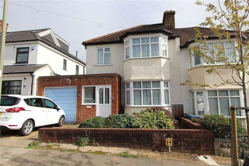 3 Bedrooms Semi Detached House for sale in Hillside Gardens, Barnet, Hertfordshire, EN5