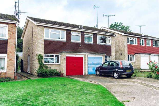 3 Bedrooms Semi Detached House for sale in Cash Deposit 76,500, Dudley Close, Colchester, Essex