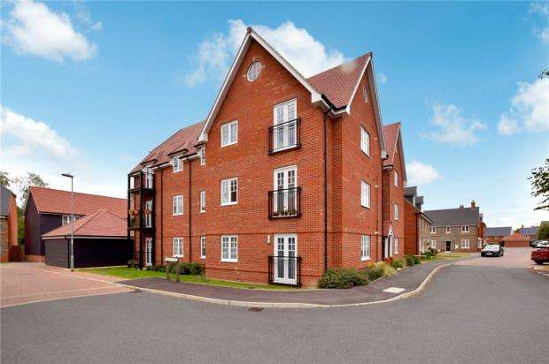 2 Bedrooms Apartment Flat for sale in Westrop Drive, Sible Hedingham, Halstead