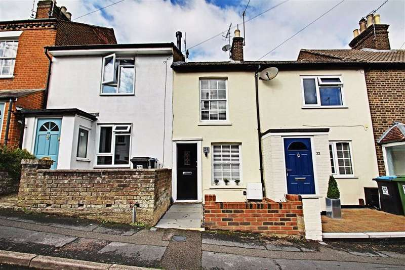 2 Bedrooms Terraced House for sale in Victoria Road, Berkhamstead, Hertfordshire