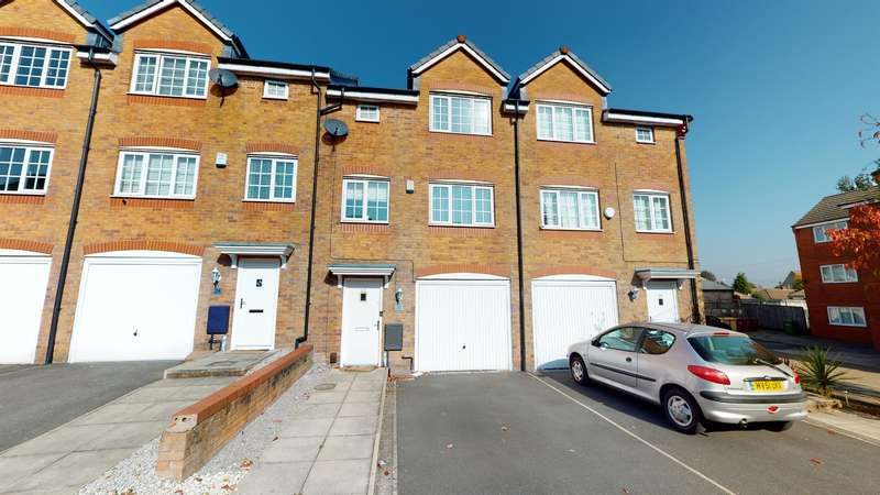 4 Bedrooms Town House for sale in Reed Close, Farnworth, Bolton, BL4 7EF