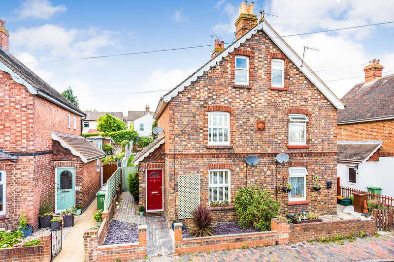 3 Bedrooms Semi Detached House for sale in Gordon Road, Tunbridge Wells