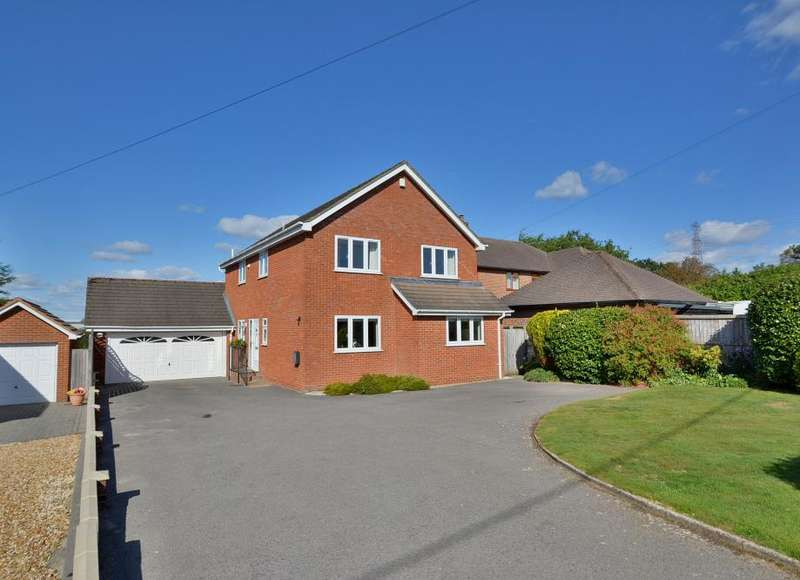 4 Bedrooms Detached House for sale in Wimborne Road East, Ferndown, Dorset BH22 9LZ