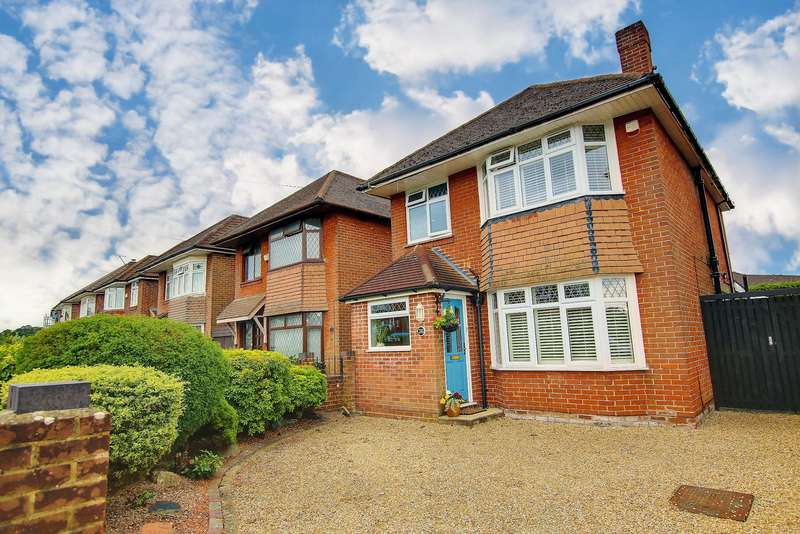 3 Bedrooms Detached House for sale in WOW! EXTENDED! REQUESTED LOCATION! VENDOR SUITED!