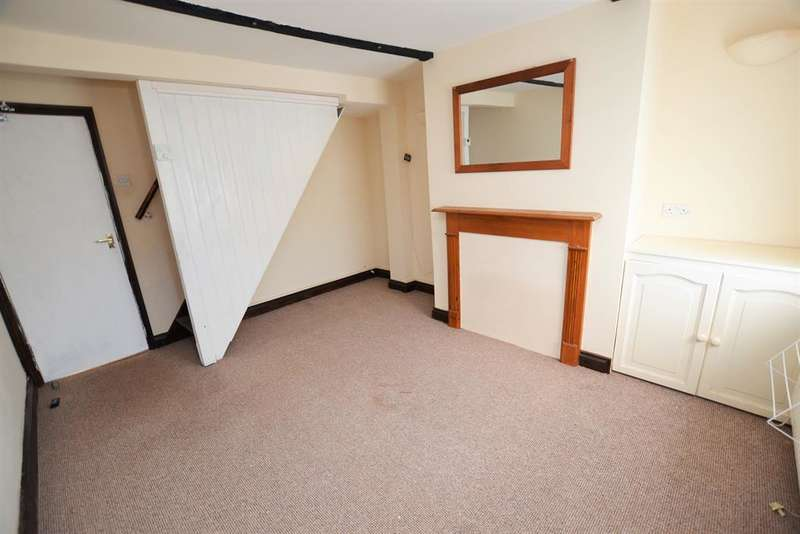 2 Bedrooms Terraced House for sale in King Street, Cheltenham, Gloucestershire, GL50 4AU