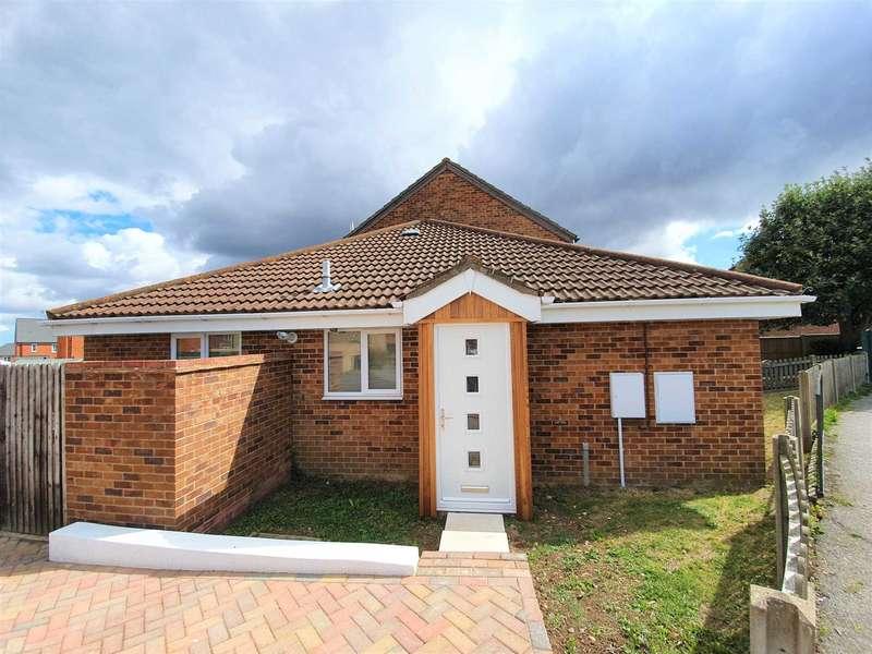 3 Bedrooms Bungalow for sale in Derwent Way, Aylesham