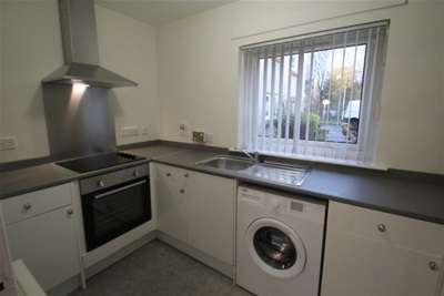 1 Bedroom Flat for rent in Waterford Road, Giffnock