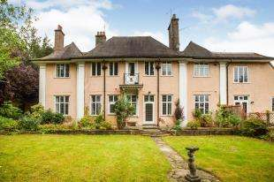 2 Bedrooms Flat for sale in Hinton Oak, Frant Road, Tunbridge Wells