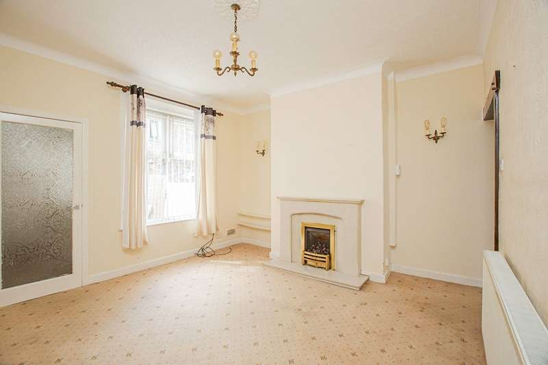 2 Bedrooms House for sale in Ebor Street, Burnley, Lancashire, BB10