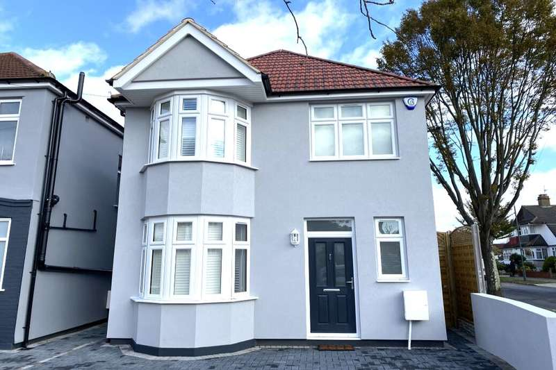 3 Bedrooms Detached House for sale in Sidewood Road, London, SE9
