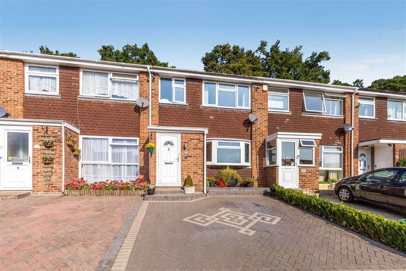3 Bedrooms Terraced House for sale in Clovelly Way, Orpington, Kent