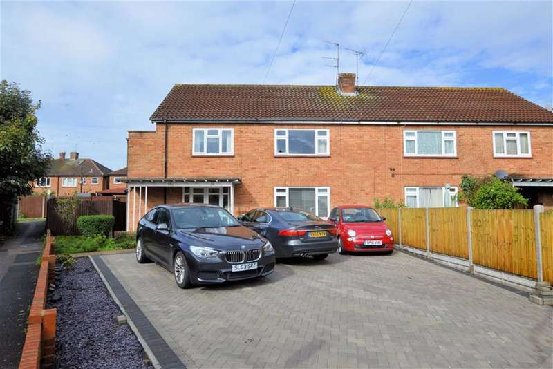 2 Bedrooms Maisonette Flat for sale in Amesbury Close, Epping