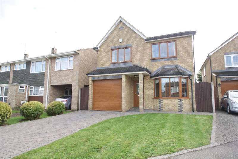 4 Bedrooms Detached House for sale in Trinity Close, Rayleigh