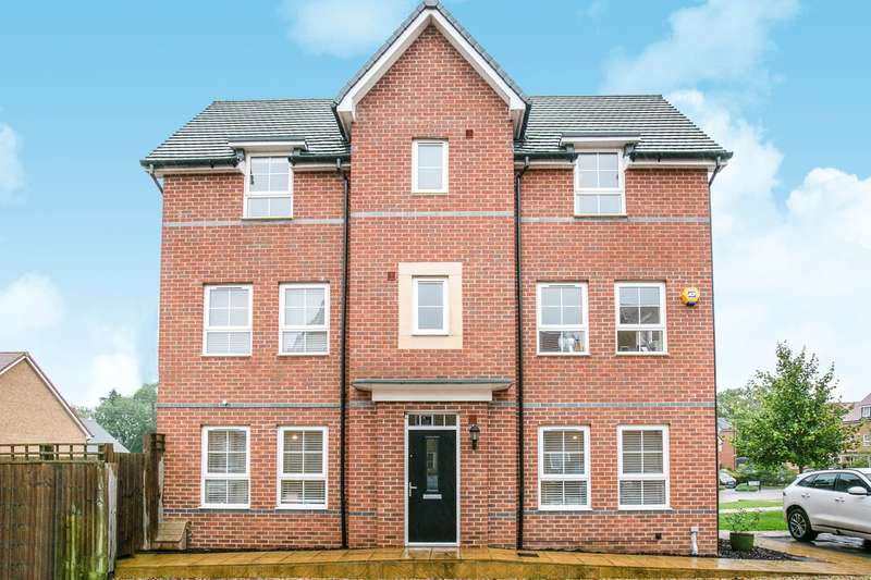 3 Bedrooms Town House for sale in Peregrine Way, Hatfield, AL10