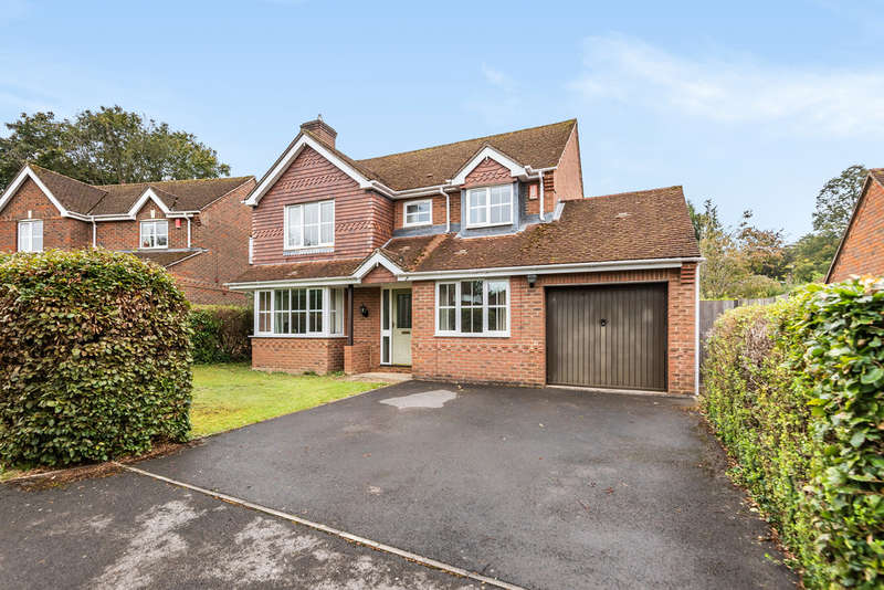 4 Bedrooms Detached House for sale in Parkside Gardens, Winchester