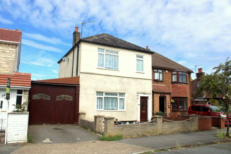 3 Bedrooms Property for sale in FELTHAM - HOUSE AND OUTBUILDINGS - DEVELOPMENT POTENTIAL!