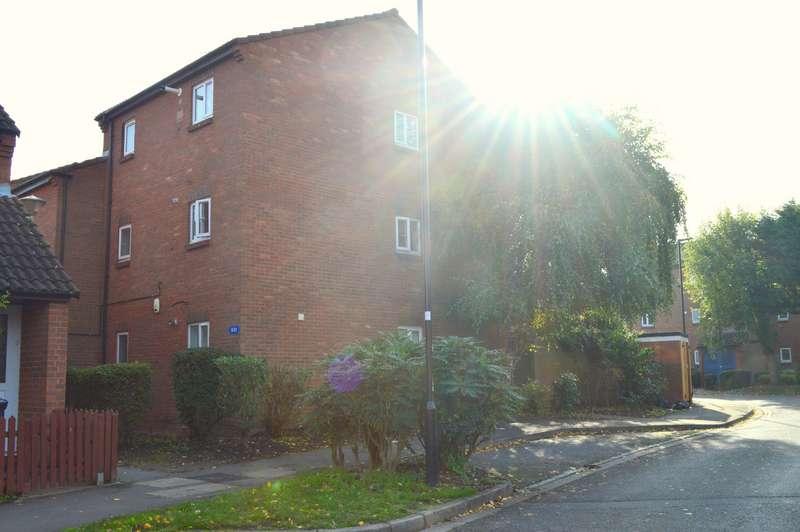 1 Bedroom Property for rent in Nene Gardens, Feltham