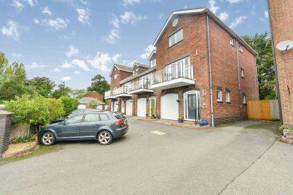 4 Bedrooms Town House for sale in St. Helens, Ryde, Isle Of Wight