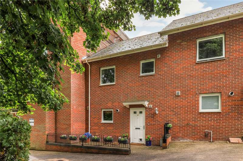 3 Bedrooms Town House for sale in Athelstan Road, Winchester, Hampshire, SO23