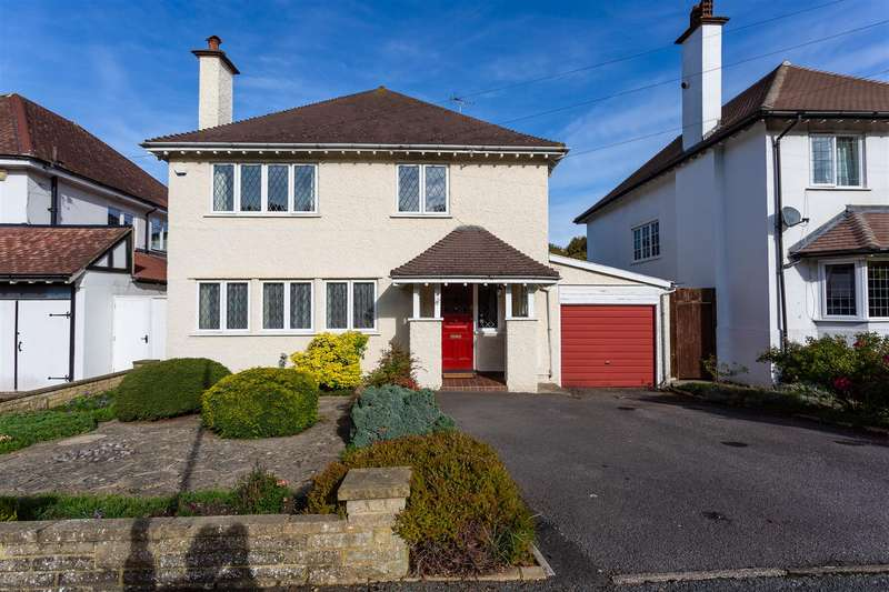 4 Bedrooms Detached House for sale in Salisbury Avenue, Cheam, Sutton