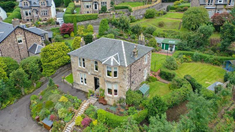 3 Bedrooms Apartment Flat for sale in Barclaven Road, Kilmacolm