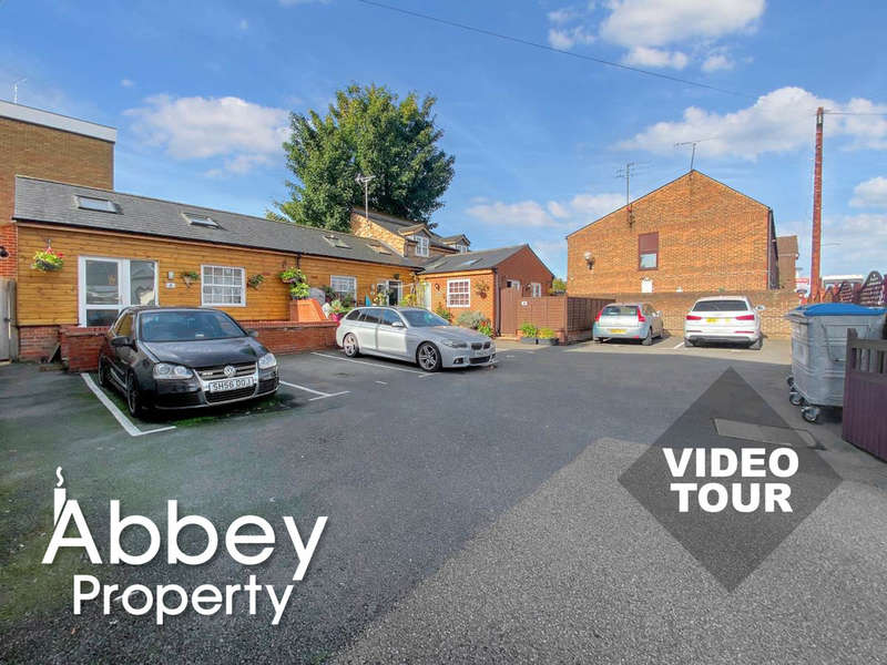1 Bedroom Mews House for sale in High Street North, Dunstable LU6 1JN