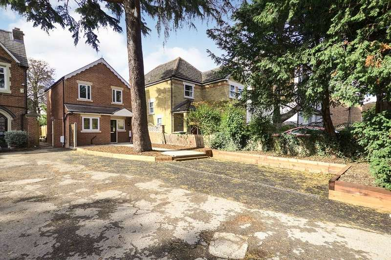 2 Bedrooms Detached House for sale in Picardy Road, Belvedere, DA17