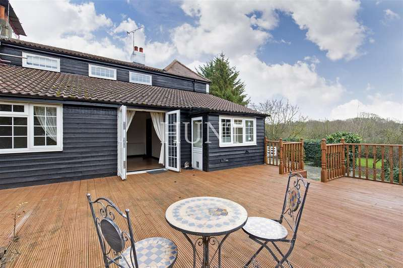 3 Bedrooms Semi Detached House for sale in Hoe Lane, Lambourne End,