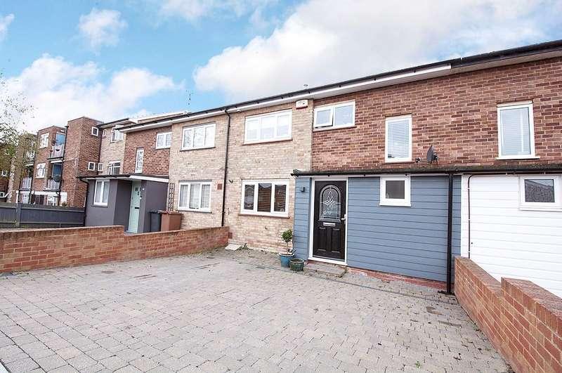 3 Bedrooms Terraced House for sale in Meadow Road, Bushey