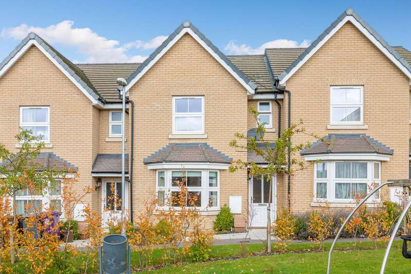 3 Bedrooms Terraced House for sale in Tynan Close, Royston, SG8